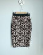 Spódnica midi z aksamitnym wzorem