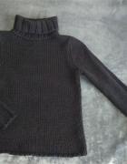 Czarny gruby sweter GAP z golfem...
