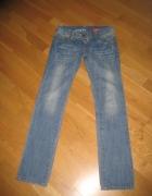 jeansy Roxy...