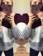 Sweter bordowo biało szary