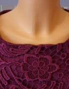Elegancka koronkowa firmowa sukienka...