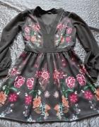 Sukienka w kwiaty rozm S...