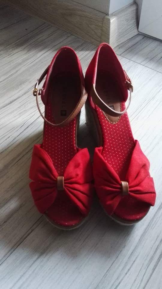 Buty różne...