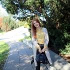 Długi beżowy sweter