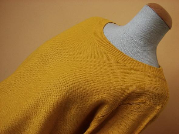 Miejski musztardowy sweter...