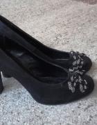 Czarne buty na obcasie 9 cm ozdobna kokardka