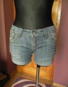 Jeansowe spodenki Cropp SM