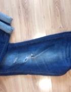 jeansy boyfriendy Only M z dziurami