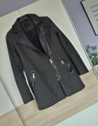 Grafitowy płaszcz Amisu