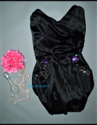 cudna gorsetowa sukienka zdobiona