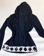 sweter z kapturem i dekoltem do pępka Online