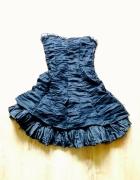 Czarna rozkloszowana sukienka M