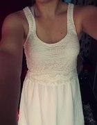 Sukienka koronka Bershka