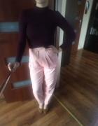 sztruksowe różowe spodnie z wysokim stanem