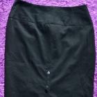 Czarna spódnica ołówkowa z podwyższonym stanem