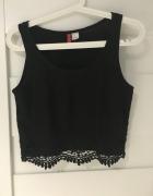 Czarna krótka koszulka z koronkowym dołem H&M 34