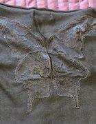 czarny nietoperz z koronkowymi plecami