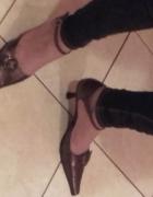 brązowe buty namałej szpilce