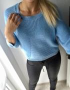 Sweterek pleciony Exhibit