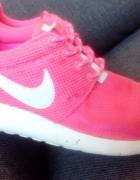 Nike Roshe Run różowe pink neon