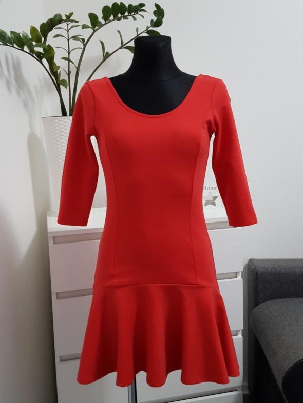 b550ab20ea bawełniana czerwona sukienka Stradivarius w Suknie i sukienki - Szafa.pl