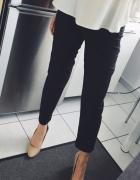 Czarne klasyczne spodnie Reserved...