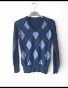 Niebieski sweter angielska krata...