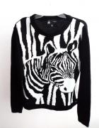 Czarno biały sweterek zebra atmosphere...