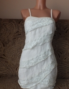 Sukienka z koronkowymi wstawkami w kolorze ecru 36