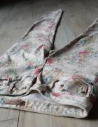 Spodnie S 36 Pull&Bear rurki skinny wąskie kwiaty...