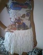 Piękna zwiewna oryginalna sukienka