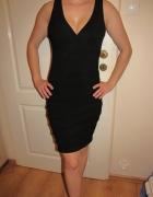 Czarna sukienka sexowna tuba New Look