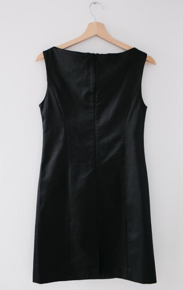 67fe2fb513 Suknie i sukienki Mała czarna elegancka sukienka mini Mohito prosta