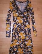 Sukienka floral Vero Moda midi retro obcisła
