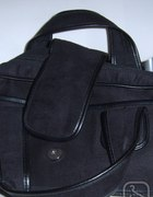Czarna torebka jamnik markowa