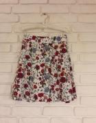 Spódniczka w kwiaty H&M...