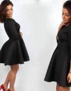 Czarna rozkloszowana sukienka pianka