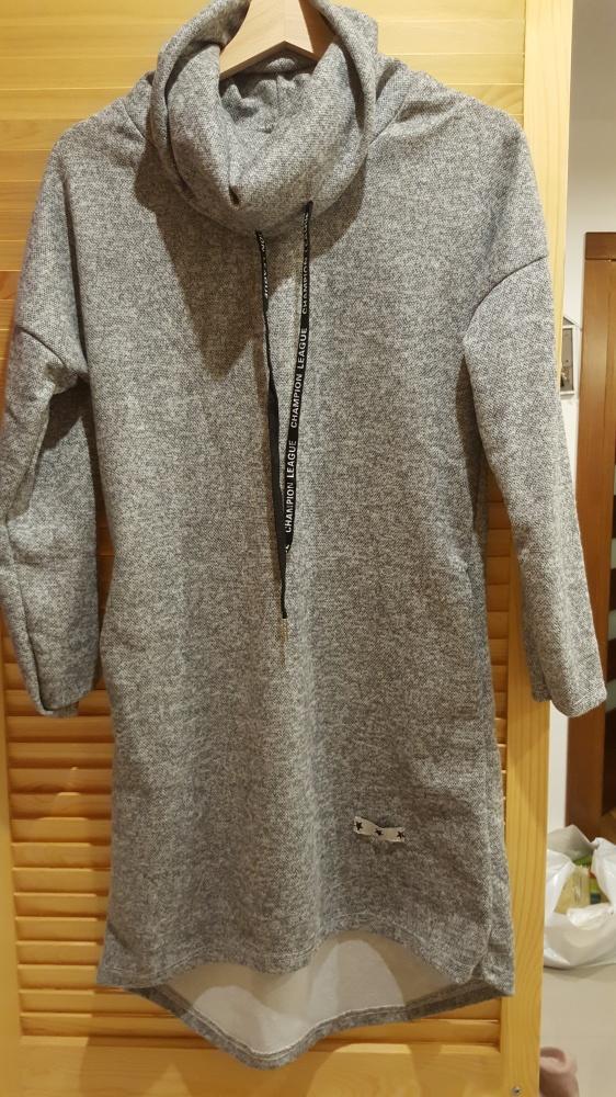 Tuniki Szara ciepła sukienka z golfem