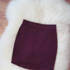 bordowa dopasowana asymetryczna bandażowa spódniczka