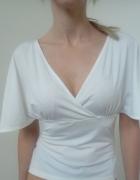 Elegancka biała bluzka z głębokim dekoltem XS