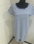 Dzianinowa Sukienka w paski Reserved L
