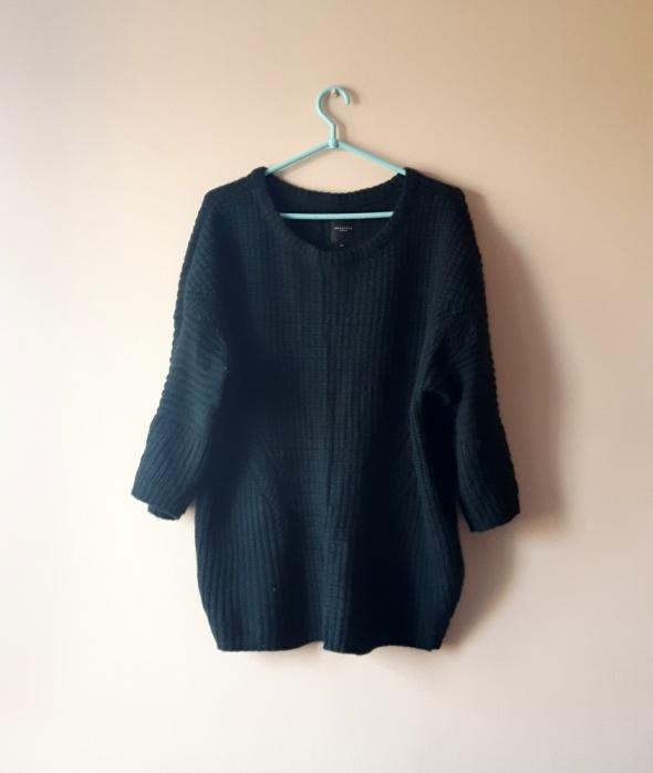 Sweter z szerszymi rękawami ciemna zieleń uniwersa
