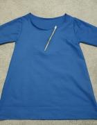 Trapezowa sukienka z malym zameczkiem