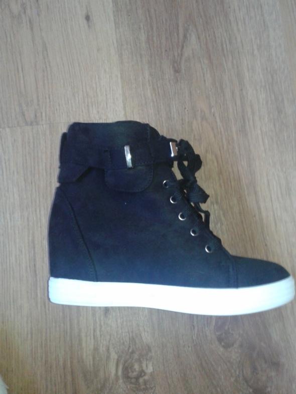 Botki Czarne zamszowe botki na koturnie sneakersy 37