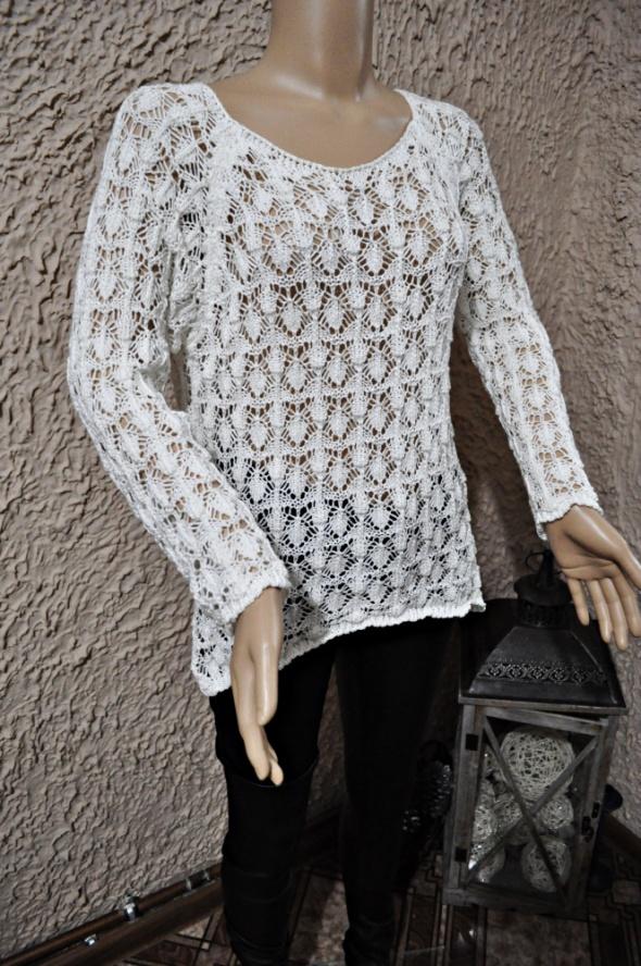 Swetry sweterek pleciony narzutka prześwitujący biały 36 38 ażurowy haftowany