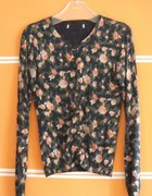 klasyczny sweterek kardigan w kwiatki