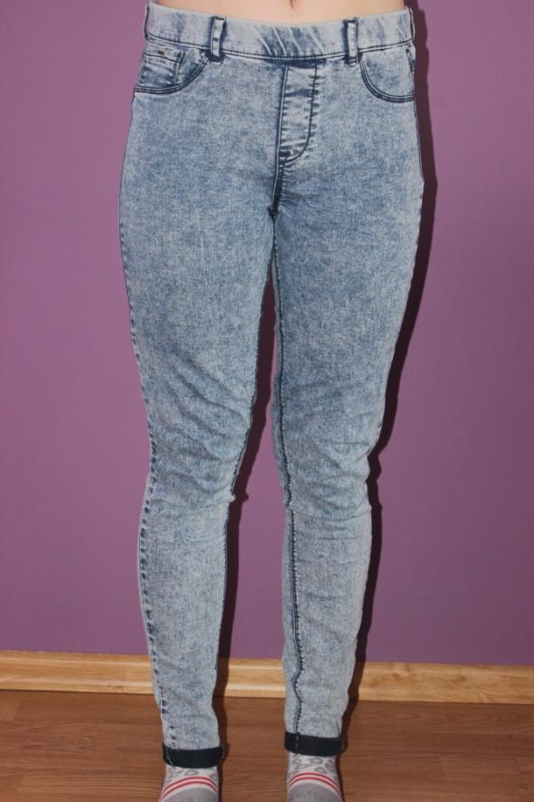 spodnie jensowe na gumce...