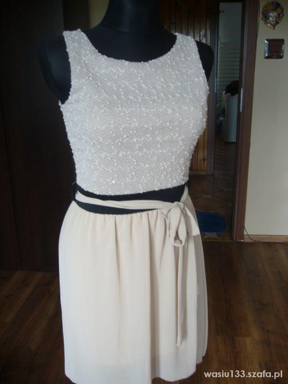 kremowa szyfonowa sukienka
