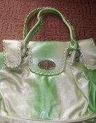 Zielono kremowa torebka