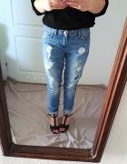 Niebieskie jeansy boyfriend z dziurami nowe S M 26...